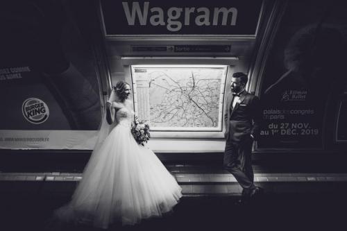 Mariés dans le métro - station Wagram